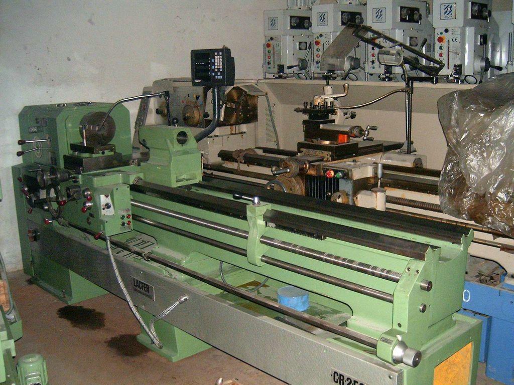 Torno LACFER CR2-E250 de 2000 reconstruido
