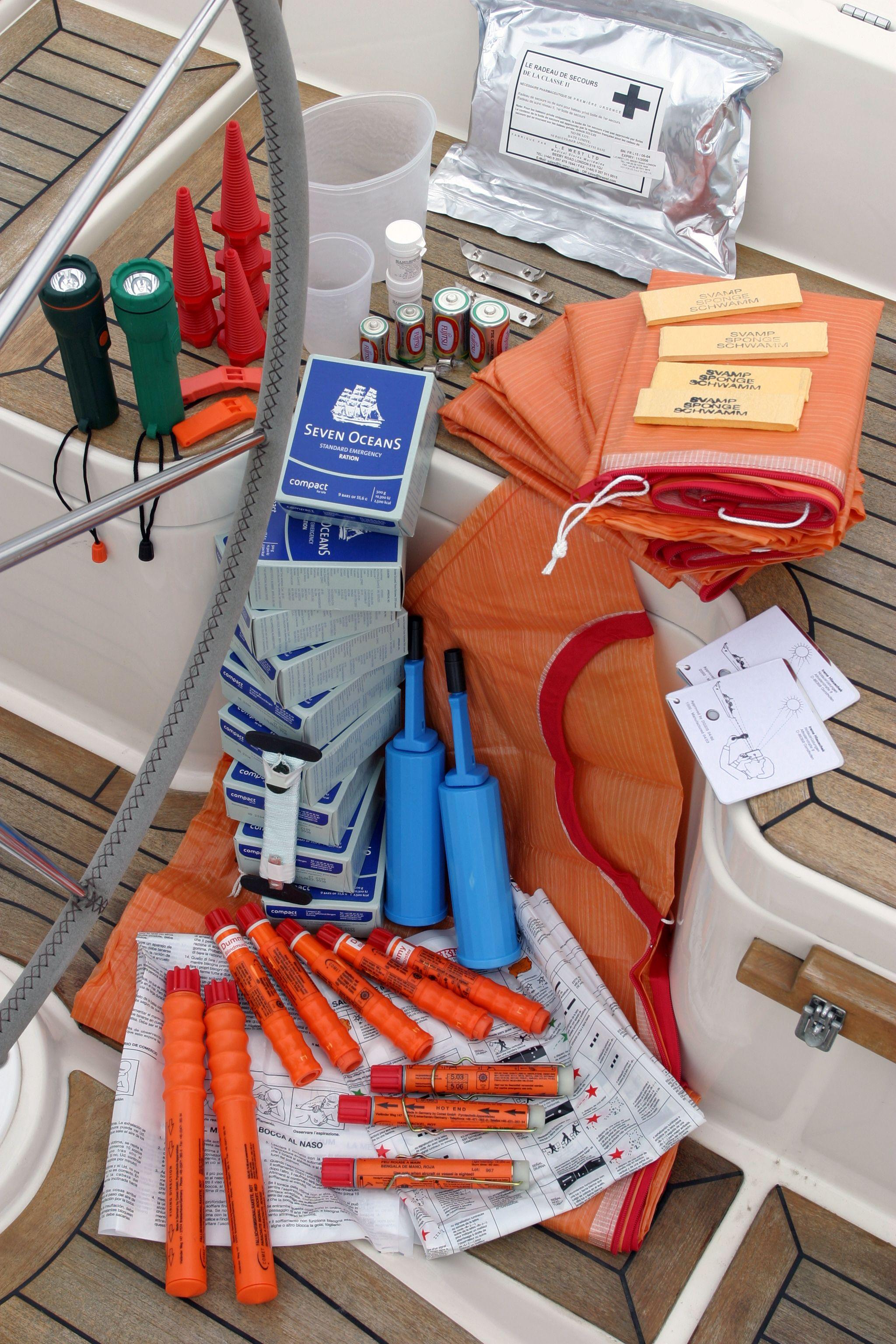 VIKING Liferaft Emergency Pack