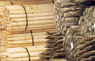 Runda stolpar trä