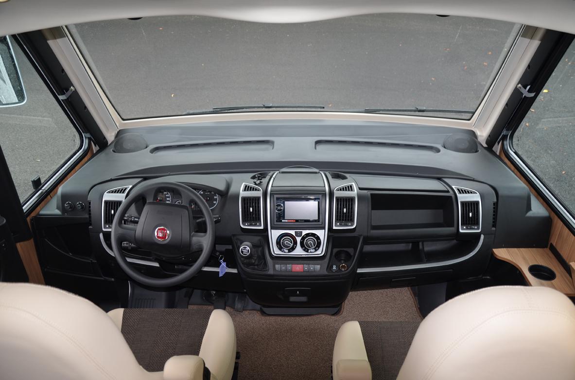 TABLEAU DE BORD CAMPING-CAR