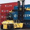Chariot de manutention de containers pleins
