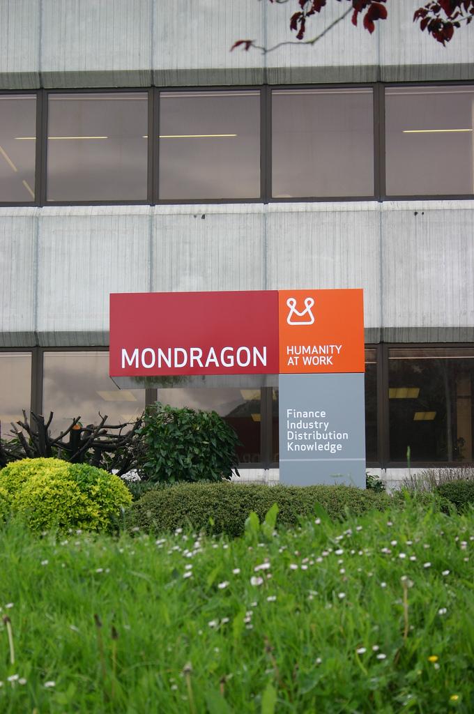 MONDRAGON es un grupo empresarial integrado por cooperativas autónomas e independientes, con filiales productivas y dele