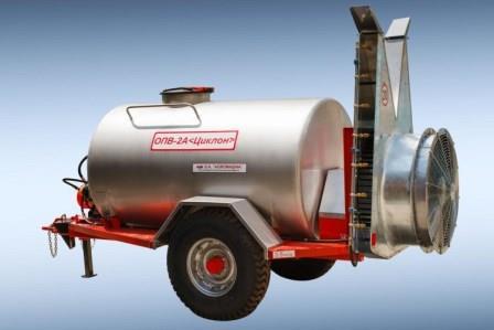 Maşina de stropit tractată OPV-2Aeste destinată pentru protejarea plantaţiilor de vii si livezi de boli prin stropirea