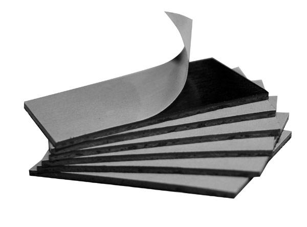 Pour fixer un produit sur une surface métallique 1 face adhésive + 1 face magnétique puissante Format 50 mm x 33 mm x ép