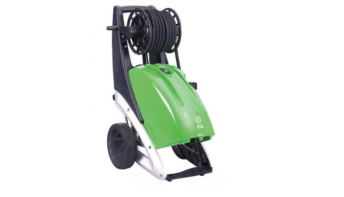 Pompe en ligne 3 pistons céramique (longévité x 5) Moteur/pompe basse vitesse 1 400 tr/min (durable en intensif) Arrêt a