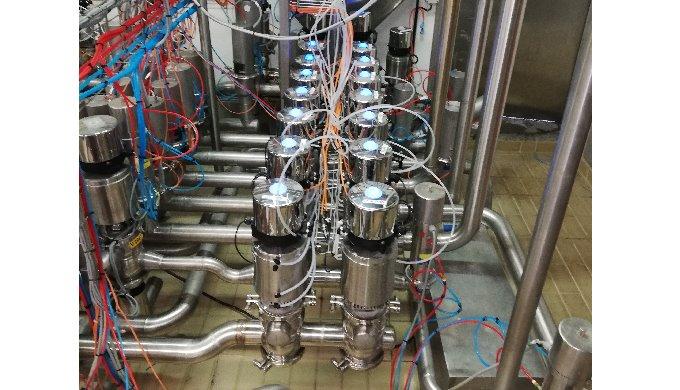 Manifold de vannes à chambre de fuite permettant d'optimiser et sécuriser le remplissage ou le dépotage de tanks ou cuve