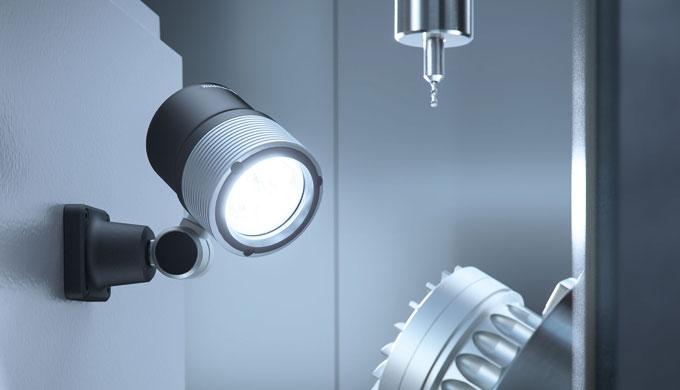ROCIA.focus bietet als Gelenkkopfleuchte höchste Flexibilität. Die Beweglichkeit ihres Gelenkkopfs gestattet es, den Lic