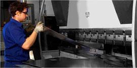 Fabricaciónde diversaspiezas para casetas de transformación, como conjunto defensa, carriles de anclaje, plataformas