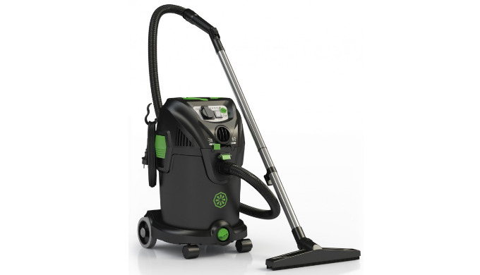 Le NRG 1/30 TC CLEAN est un aspirateur professionnel, 30 L, eau et poussières fines, plastique, avec fonction soufflant.