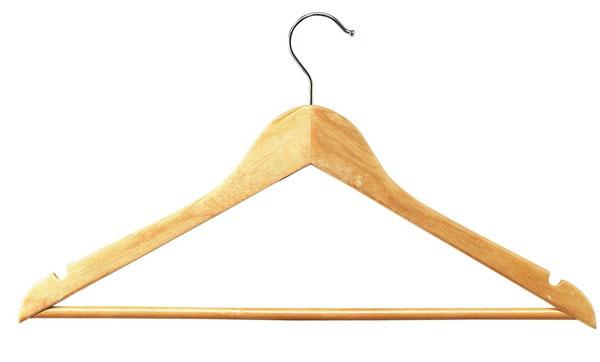 Qualité hêtre verni Crochet acier chromé, pivotant Barre horizontale largeur 45 cm DÉTAILDU PRODUIT : Cintres bois nat