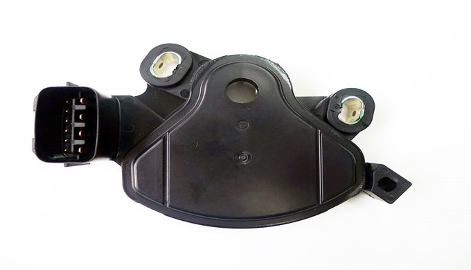 INHIBITOR SWITCH for Hyundai/Kia car The inhibitor switch is mounted on the transmission case. It includes the electric