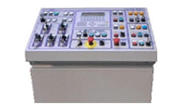 Ovládací panely pro průmyslové stroje a linky