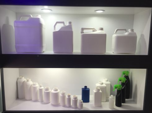 Our main products are blow moulding monolayer and multilayer bottles (HDPE and PP), caps and IML buckets (9 kg size).