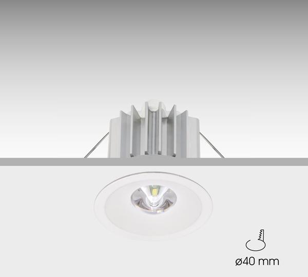 Luminaria formada por tres módulos independientes: conjunto óptico, sistema electrónico y baterías. Dos opciones de lent