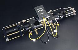 Hydrauldrivna boostrar används vid stora effekter, över ca 7 kW.Dessa boostrar finns i två serier, 100 respektive 120.