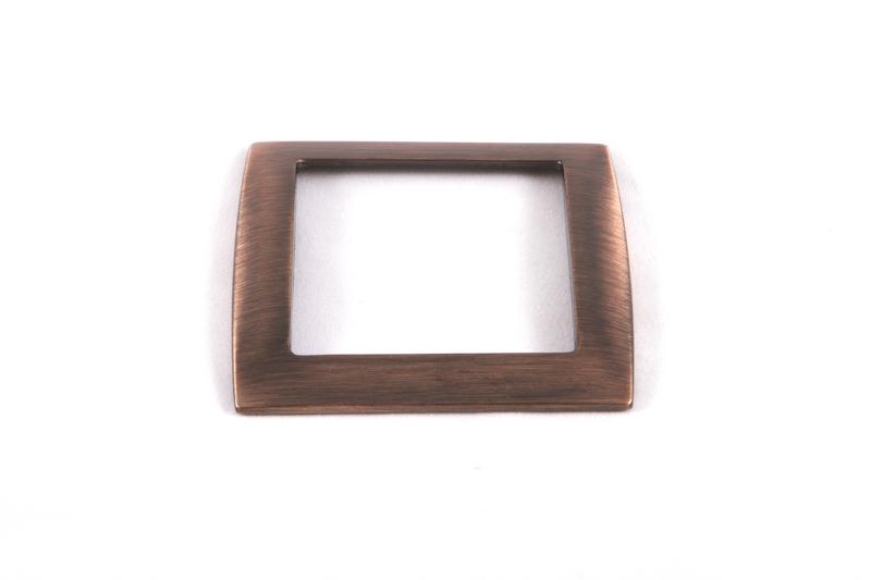 El cromado consiste en la aplicación de una capa de cromo sobre la superficie de un objeto previamente niquelado, pudién