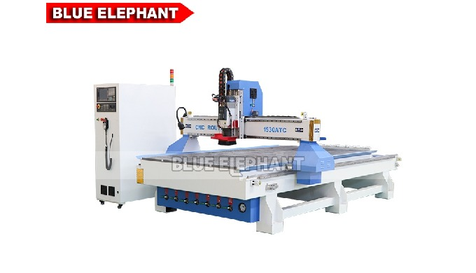 Features:    1.  Like 4*8 ATC CNC machine, the machine was designed with linear tool changer magazine for making Cabinet
