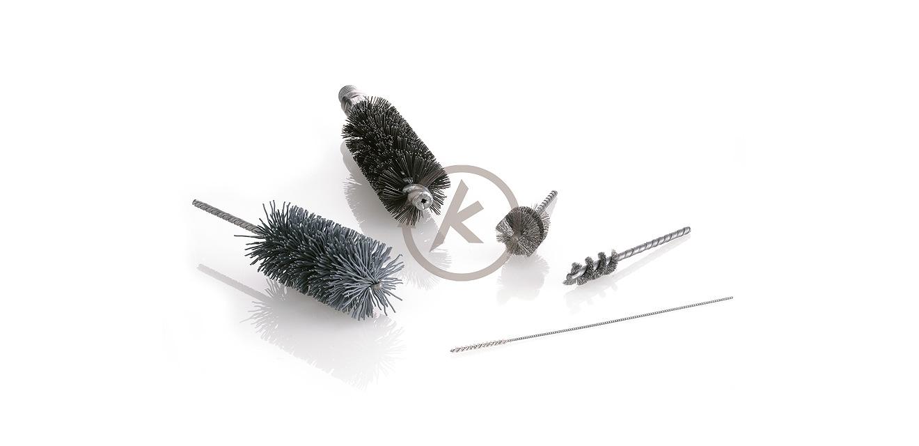 Innenbürsten eignen sich besonders für das Entgraten von O-Ring-Einstichen und Bohrungen zum Reinigen, Glätten und Entro
