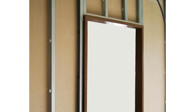 Huisseries pour portes de communication à chants droits sur cloisons sèches : • Pour cloisons Placostil® 72 et 98 mm • 3