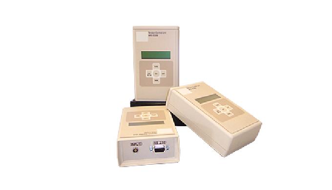 Módulo indicador con display para entrada de señales extensómetricas portatil. Con transmisión de datos a PC via interfa