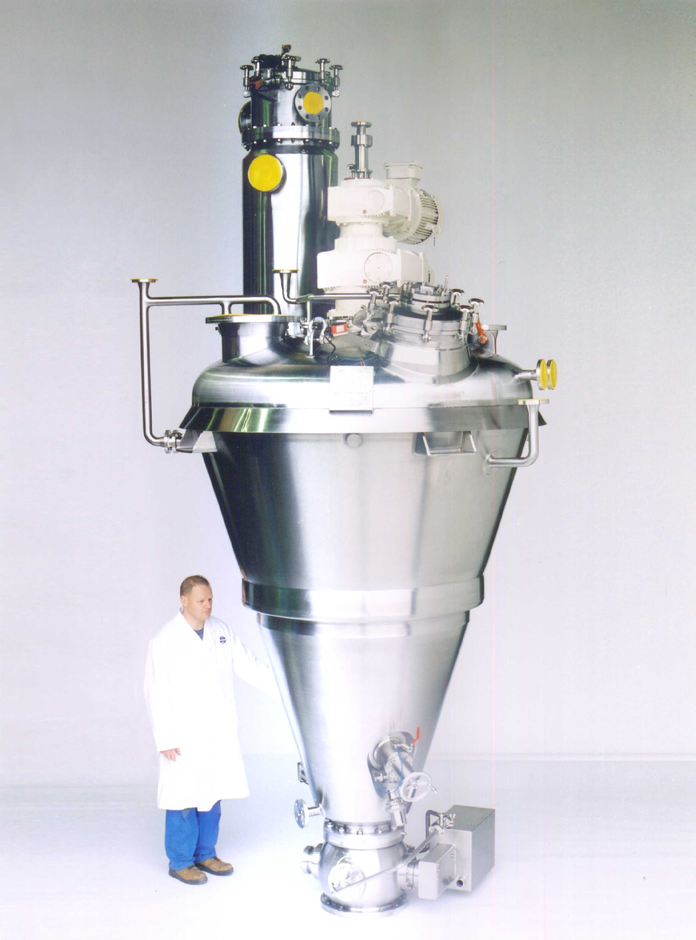 The Vrieco-Nauta® conical screw vacuum dryer is a universal batch dryer suitable for drying powders, granules, pastes an
