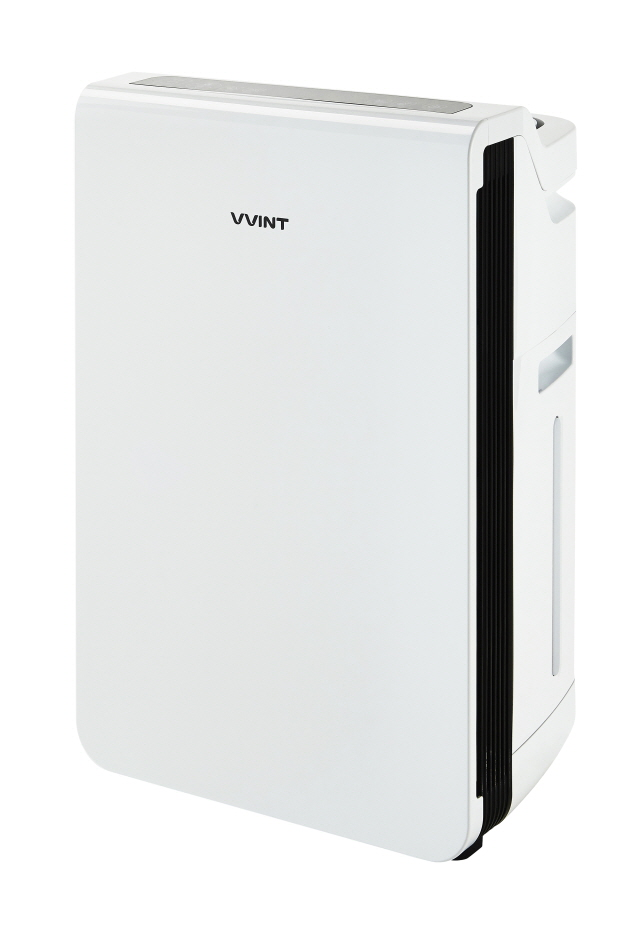 Air purifier with humidity control