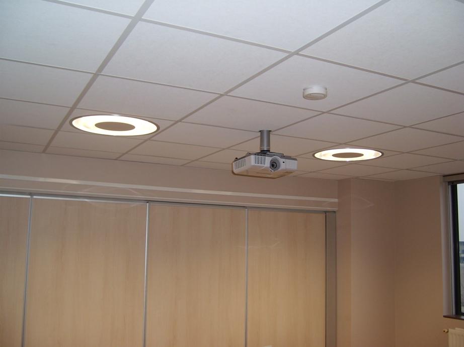 Intéreiur comme extérieur l'éclairage fait partie de nos activités: Eclairage public, eclairage de salle de spectacle, s