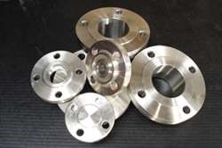 Flanges Dimensional standards ANSI B16.5 - ANSI B16.25 - ANSI B16.36 Carbon and Low Alloy ASTM A105N, ASTM A350 LF2 High
