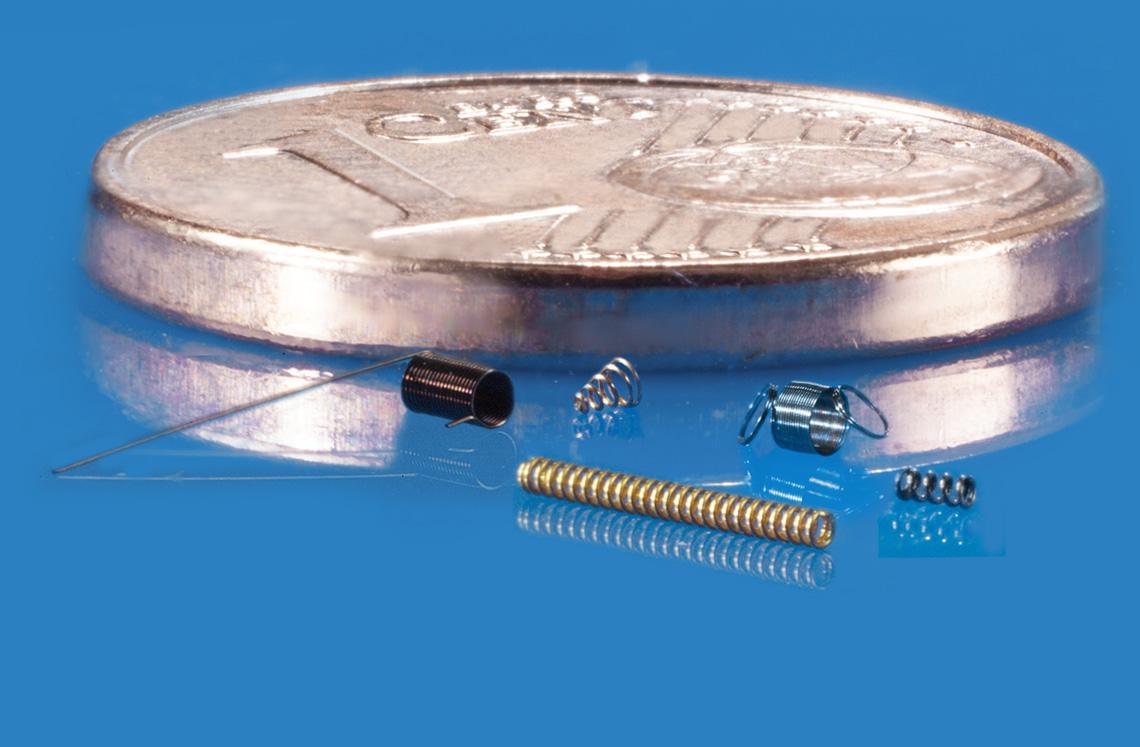 Schweizer ist der Spezialist für Mikrofedern im Drahtabmessungsbereich ab 0,03 mm. Abmessungen Drahtdurchmesser: ab 0,0