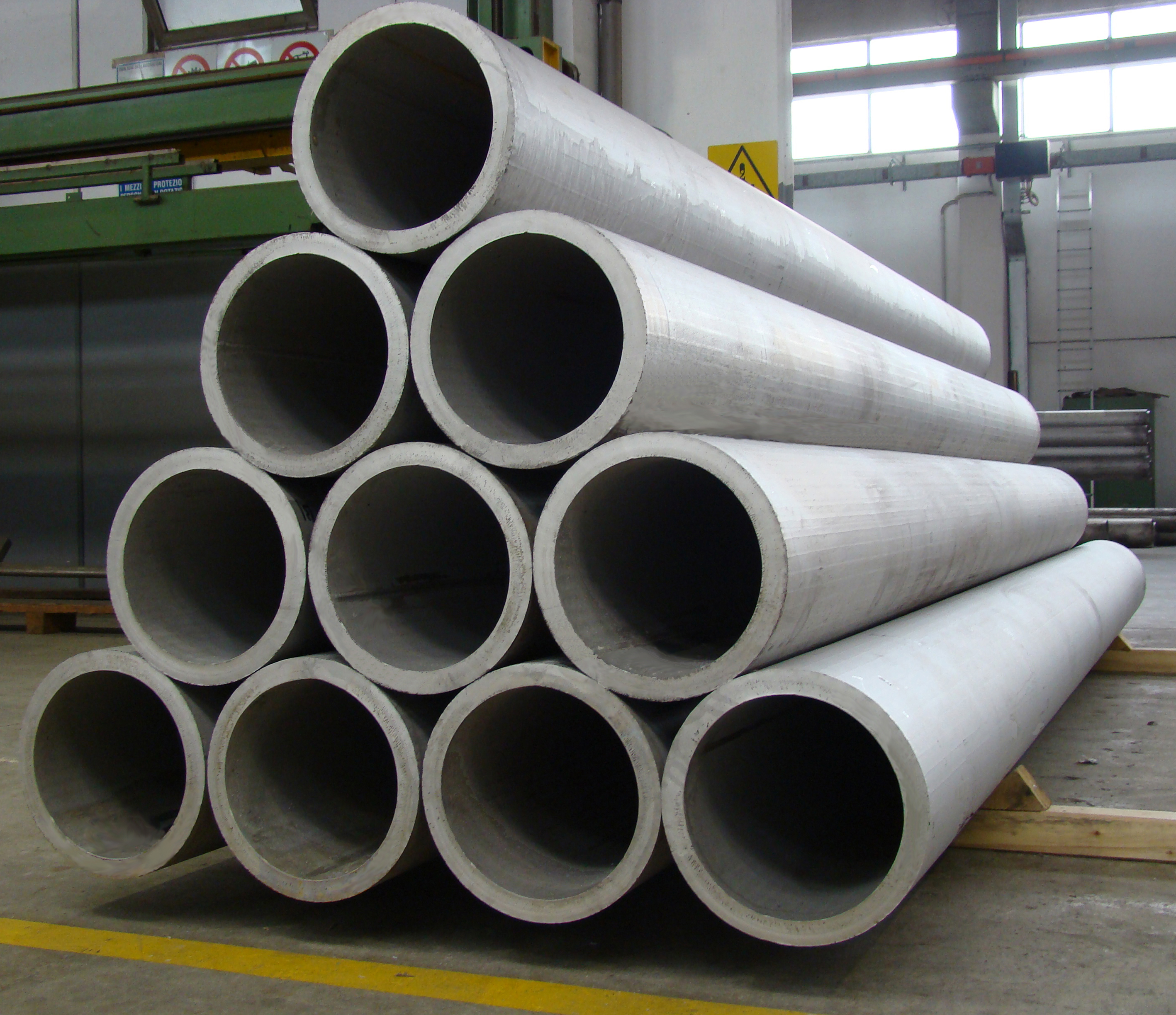 WELDED PIPES - made from plates with diameters ranging from 80 to 2500 mm, thickness from 2 to 60 mm and lengths up to