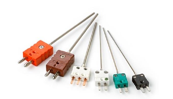 Sensores simples o dobles con vaina metálica flexible de acero inoxidable o Inconel, aislados interiormente con óxido de