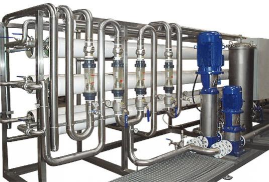 Equipos compactos de Osmosis inversa para el tratamiento de agua de proceso industrial. Mediante la aplicación de esta t