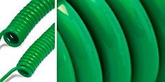 CEJNs esterbaserade polyuretanslang (PUR) för andningsluft finns som en grön oarmerad spiralslang och som en svart rak a