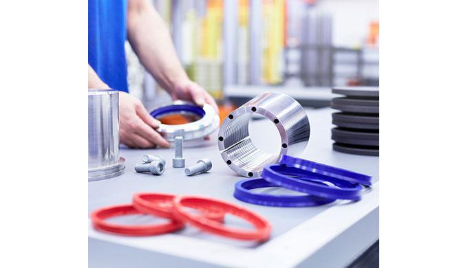 Klemmen von Maschinen- und Anlagenteilen Feststelleinheiten werden überwiegend als funktionelle Klemmungen zum positions
