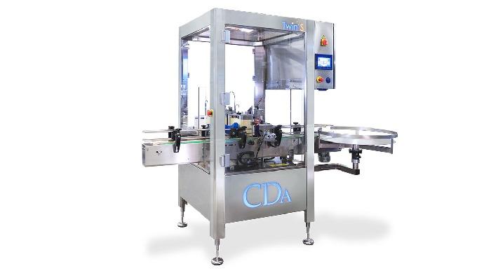 Nouveauté CDA, la TwinS est une étiqueteuse automatique pensée et fabriquée pour conditionner les produits cylindriques,