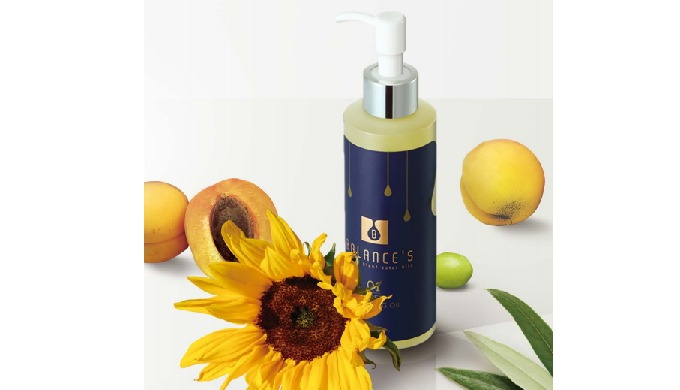 - Less stimulating moisturizer cleansing that the skin likes with components from nature - Refreshing and light that it
