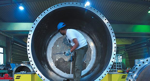 Unsere Nebenkühlwasserkühler werden zum Kühlen des Zwischenkühlwasserkreislaufs durch einen Fluss, Brunnen oder Kühlwass