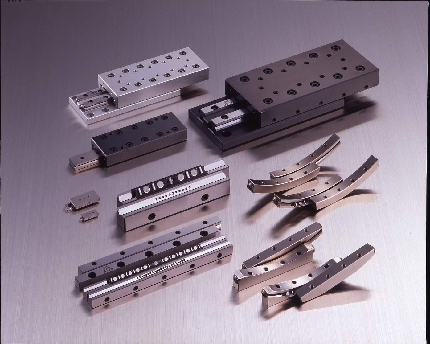 Nos différentes gammes de guidages: GUIDAGE A GALET SYSTÈME MR.Système à alignement automatique. Galets à fortes capac