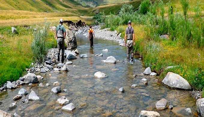 · Pasos para peces y continuidad fluvial · Seguimiento de poblaciones de peces · Caracterización y