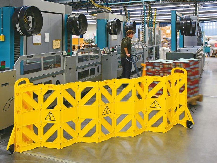 mit 16 beweglichen Elementen Aus hochwertigem Polyethylen 16 bewegliche Elemente Platzsparende Lagerung Durch die bewegl