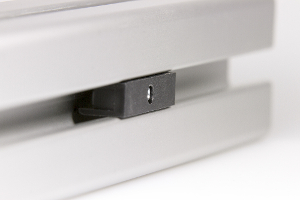Magnet assembly to be clipped into aluminium profiles