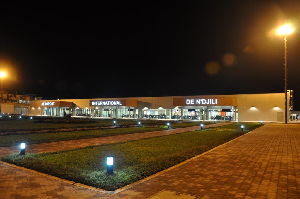 Actif Signal réalise les enseignes et la signalétique du nouveau terminal de l'aéroport de Kinshasa-N'djili