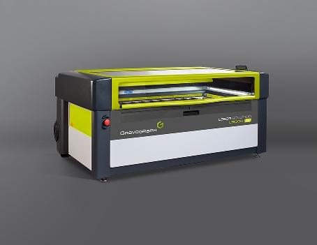La LS1000XP es una máquina láser con un área de trabajo de 1220x610 mm y un amplio abanico de potencias desde 40W hasta