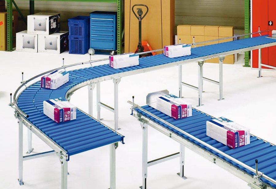 Bahnbreite 600 mm, GeradeStabile Seitenprofile aus verzinktem Stahl, 20 x 60 x 20 mm. Kugelgelagerte Kunststoffrollen, Ø
