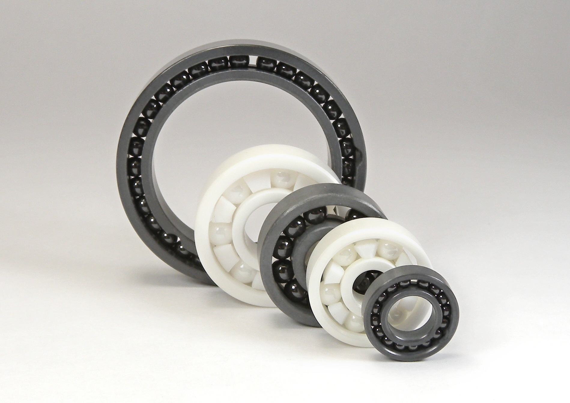 Ceramic bearings are normally supplied with rings and balls made from zirconium dioxide (ZrO2) or silicon nitride (Si3N4