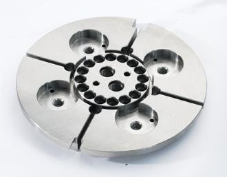 Přesné strojírenské součásti, obrábění Zakázková výroba přesných strojírenských součástí. CNC frézování, soustružení, ko
