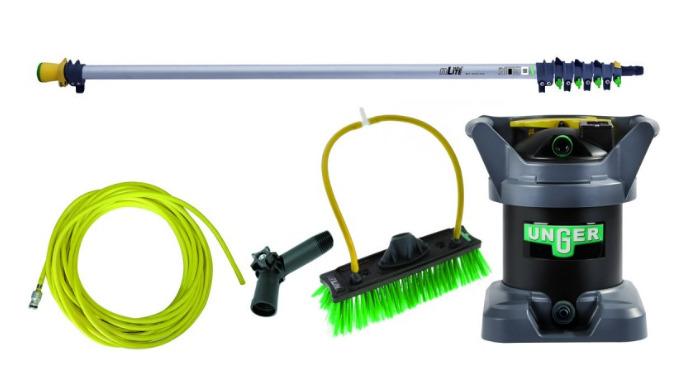 Kit starter de nettoyage à l'eau pure DIK 12 comprenant : une perche ultra-légère en aluminium à 4 éléments pour atteind