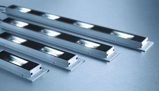 MACH LED PRO ist eine äußerst flache Maschinenleuchten-Familie mit mehreren Längenvarianten. Damit hat Waldmann eine opt