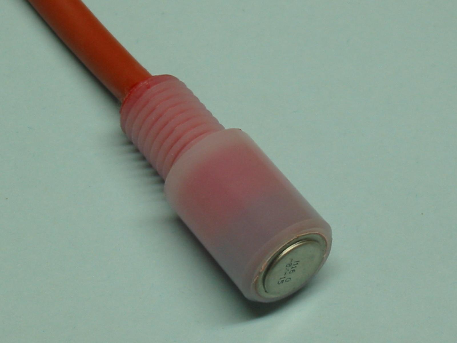 Pour assurer à la fois un isolement et une étanchéité parfaite, le Vigitherme M16 peut être moulé dans une résine épox