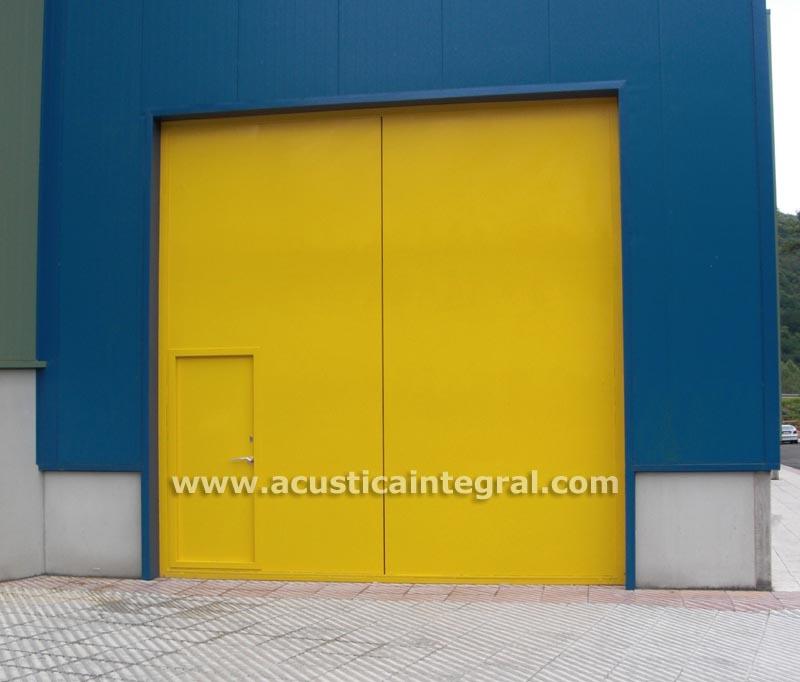 Puertas metálicas acústicas y cortafuegos de grandes dimensiones